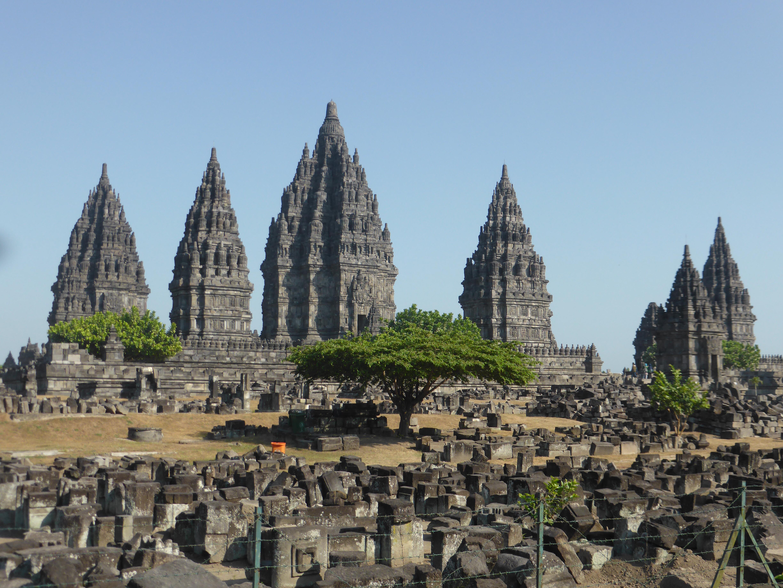 Over tempels, paleizen en een kappersbeurt in Surakarta